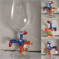 Clown glass, handstand